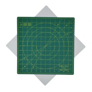 "Crafters Dream New Rotating Cutting Mat Square 12"" x 12"" inches - Colour: Green"